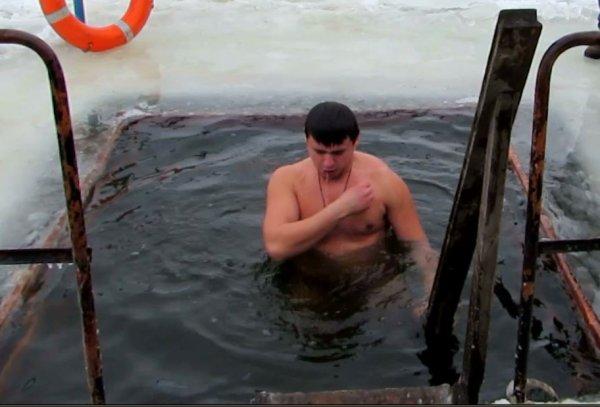 Рогачев: Православные верующие празднуют Крещение Господне