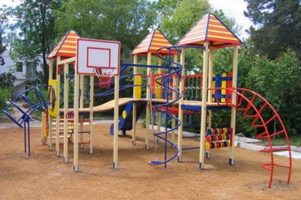Детские площадки от компании kindebum. Качественные материалы