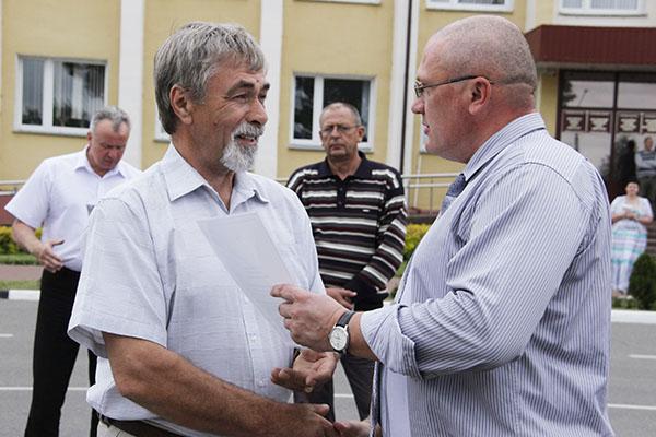 Руслан Смирнов отметил лучших помощников Рогачёвской милиции