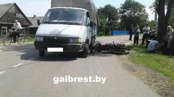Грузовик в Столинском районе сбил 15-летнего мотоциклиста