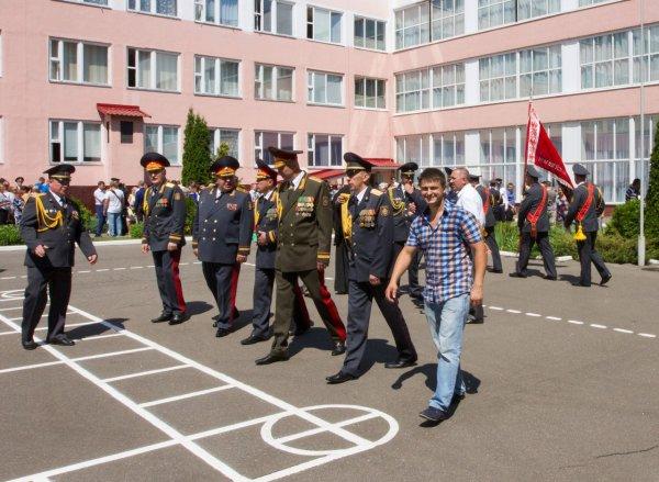 Владимир Литовченко посетил выпуск МВД 2016