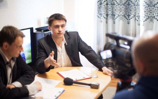 Владимир Литовченко лидирует в избирательной гонке с 62%, Щепов едва набирает 6 %