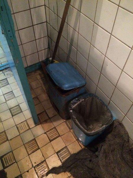"""Позорище! Фоторепортаж о том, как в Рогачёве  """"отремонтировали"""" городскую баню к """"Дню письменности"""""""