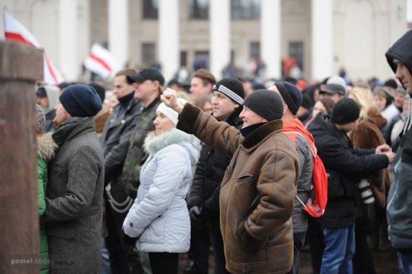 """Завтра в Гомеле снова протесты: жители города намерены прийти в суд поддержать """"тунеядца"""""""