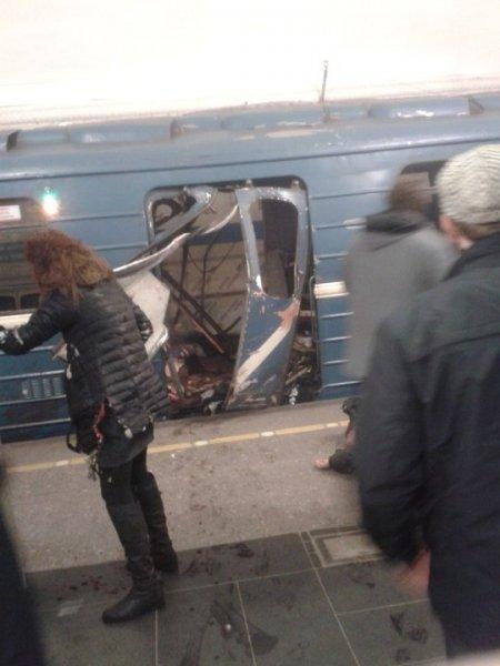 Теракт в питерском метро: погибло 10 человек