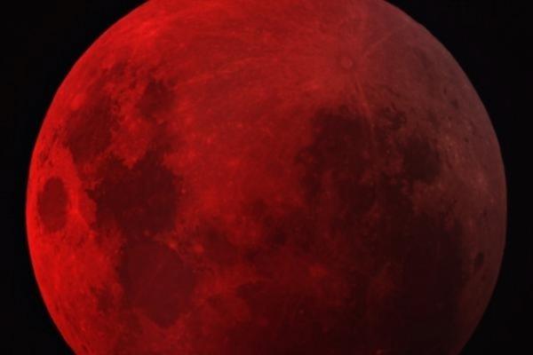 Сегодня вечером белорусы могут увидеть «кровавую луну»