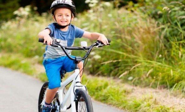 В Рогачеве пенсионер за «Мазде» сбил 6-летнего велосипедиста