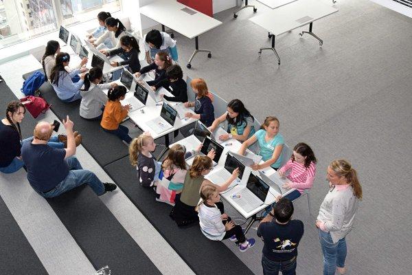 Как цифровые технологии применяются в современной системе образования?