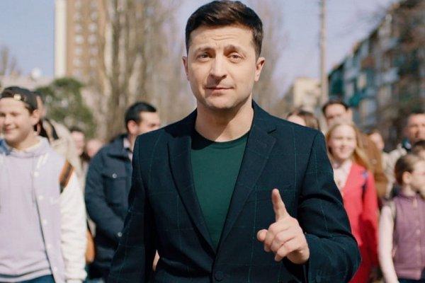 Зеленский запустил вирус, который уничтожит старые зажравшиеся номенклатуры постсоветских стран