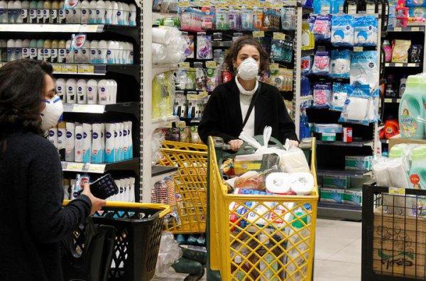 В мире объявлена пандемия короновируса: в Словакии и Венгрии — чрезвычайное положение, Турция переносит туристический сезон, в Украине закрыты школы
