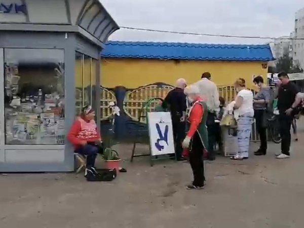 Сотни жителей Рогачёва пришли поддержать альтернативных кандидатов – фото, видео