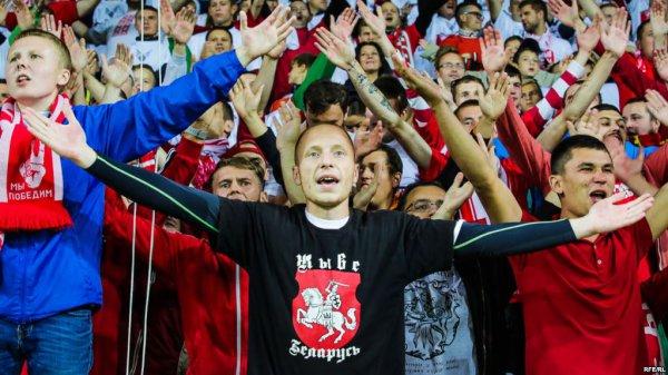 Футбольный матч в Солигорске превратился в настоящий митинг протеста – видео