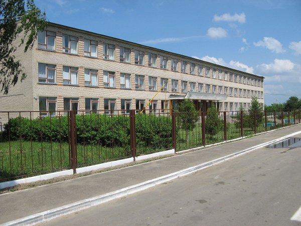 Коронавирус в Тихиничах: Школа закрыта на карантин, около 200 детей на самоизоляции