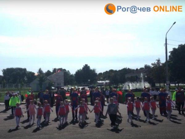 Жители Рогачёва требуют от властей города прекратить использовать их детей в пропагандистских мероприятиях