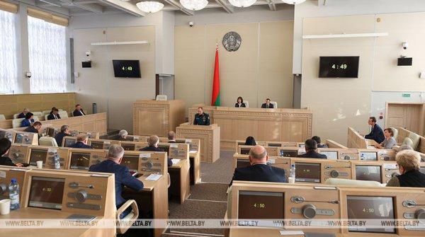 Поправки в пенсионные законы одобрил Совет Республики