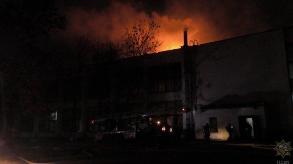 Спасатели ликвидировали пожар на предприятии в Могилеве