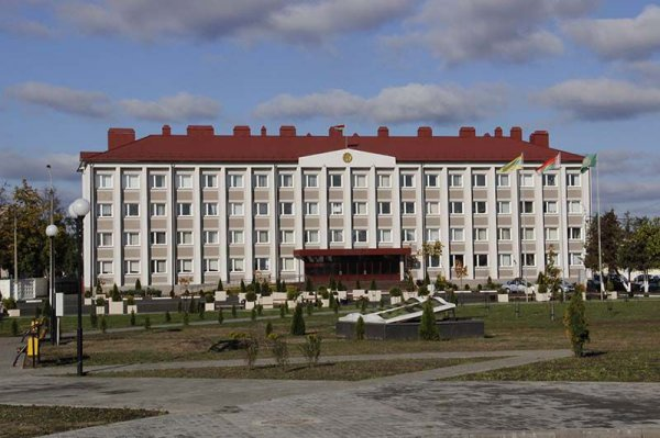 Рогачёвские власти предупредили жителей города о возможной задержке зарплат и увольнениях с предприятий