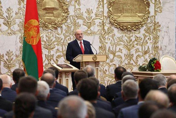 Лукашенко анонсировал досрочные президентские выборы в 2022 году