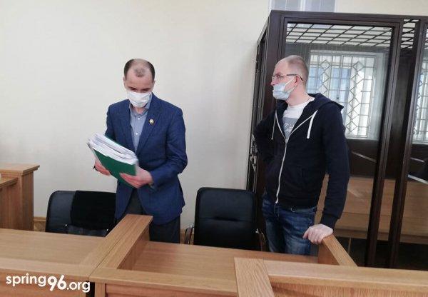 Таксист из Гродно, которого судят за насилие против милиции бежал из Беларуси