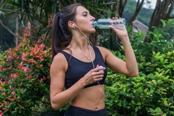 Водный баланс. Сколько жидкости нужно выпивать в день, чтобы поддерживать организм в оптимальном состоянии