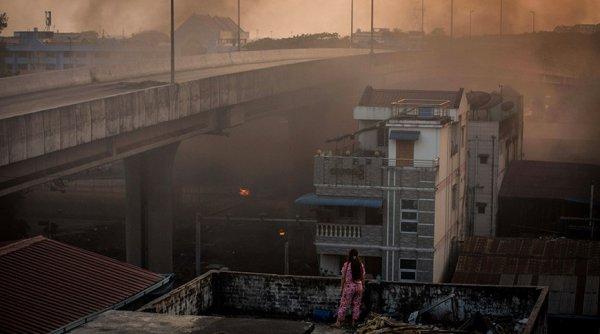 В результате столкновений в Мьянме погибло 250 человек