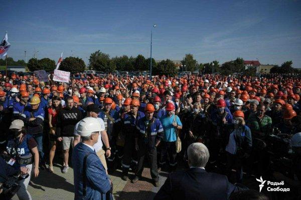 За призывы к забастовкам в Беларуси будут увольнять с работы