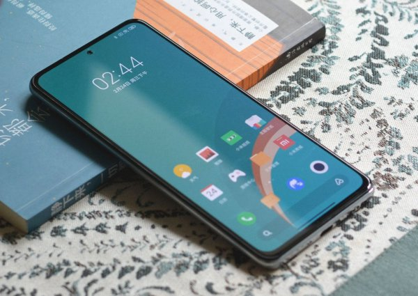 Redmi готовит к выпуску игровой смартфон стоимостью $305