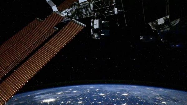 Экипаж МКС совершил контрольный осмотр корабля «Союз МС-18»