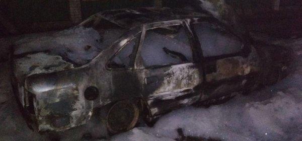 В Барановичах полностью сгорел автомобиль
