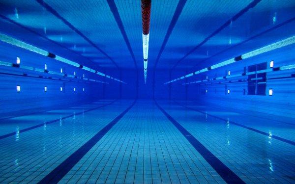 Ученые рассказали, можно ли заразиться COVID-19 в бассейне