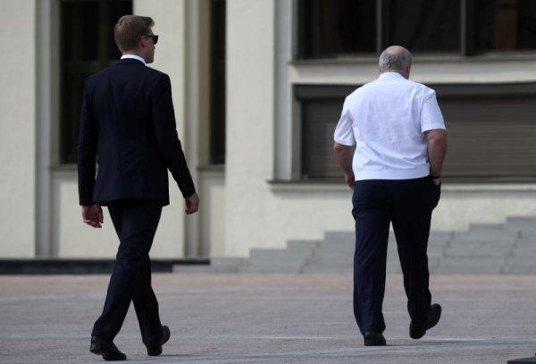 Лукашенко заявил о своей готовности передать власть Совбез