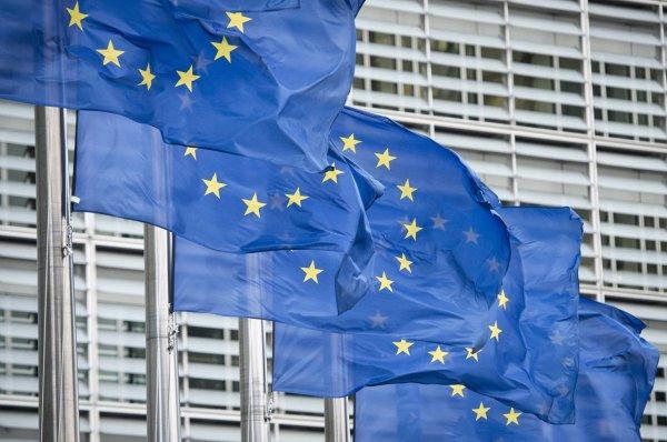 Беларусь не будет разрывать дипломатические отношения с ЕС и Украиной