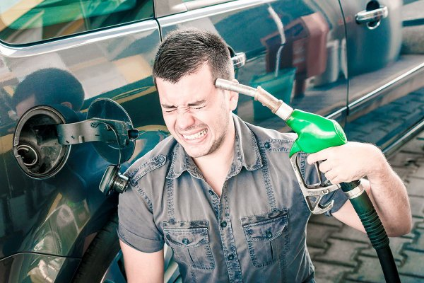 «Белнефтехим» рассказал, почему в Беларуси дорожает бензин