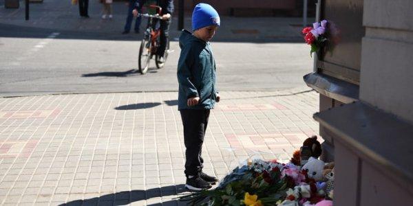 На месте гибели шестилетней девочки в Гомеле появился Народный мемориал