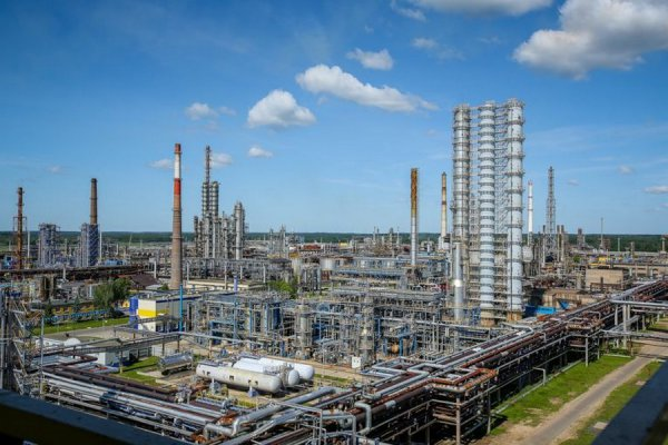 Украина отказывается от продукции новополоцкого Нафтана