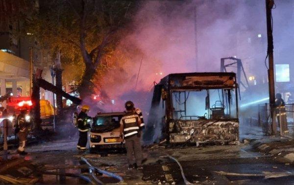 ХАМАС проводит массированный обстрел Израиля