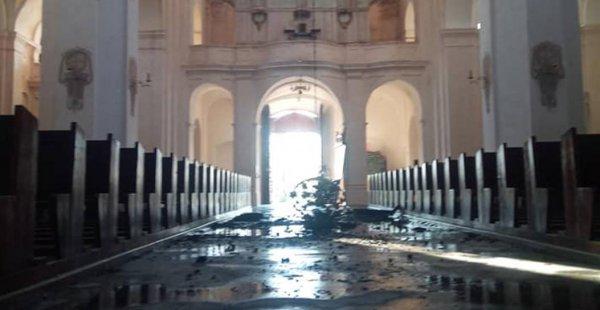 Настоятель прихода показал в соцсетях, как выглядит костел в Будславе после пожара