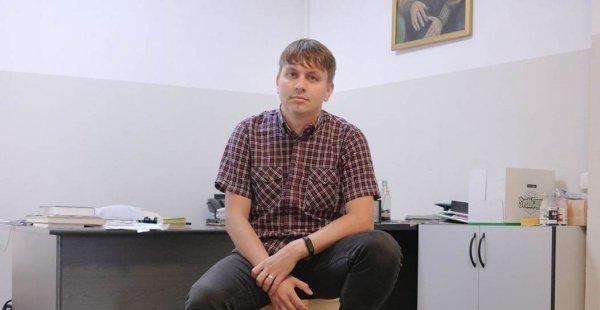 Силовики готовятся к штурму квартиры главного редактора «Нашай Нiвы» Егора Мартиновича