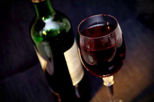 Употребление любого количества алкоголя вредит мозгу