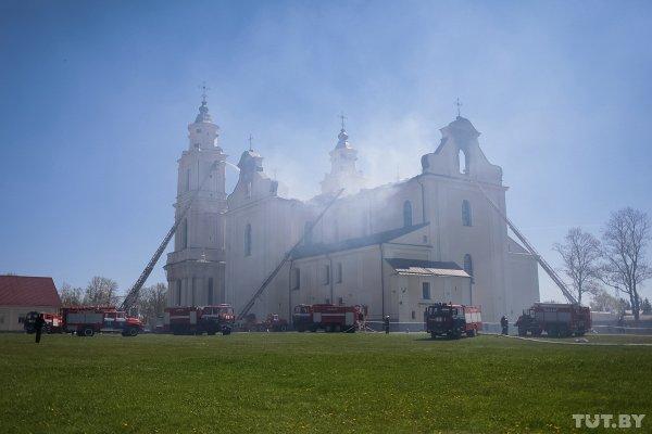 На восстановление костела в Будславе белорусы собрали более 435 тысяч рублей