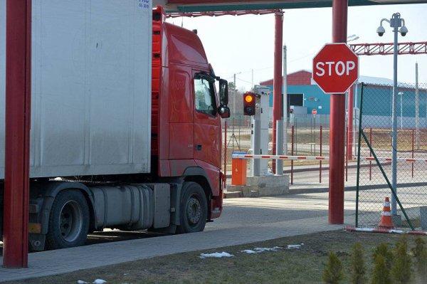 Bloomberg: Евросоюз намерен остановить весь транзит через Беларусь