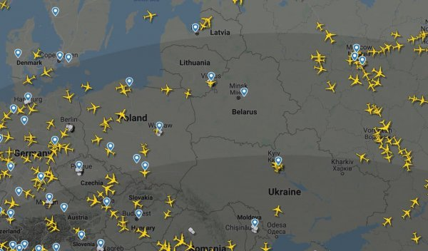 Фотофакт: Вот как выглядит воздушное пространство Беларуси сегодня утром