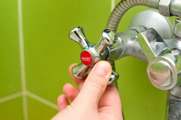Коммунальщики пообещали, что к концу недели в дома жителей Рогачёва вернётся горячая вода