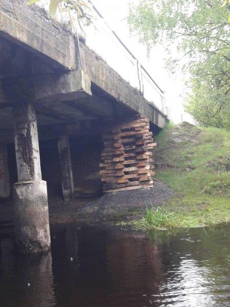 Фотофакт: мост на трассе в сторону Могилёва в Щибрине может рухнуть в ближайшие дни