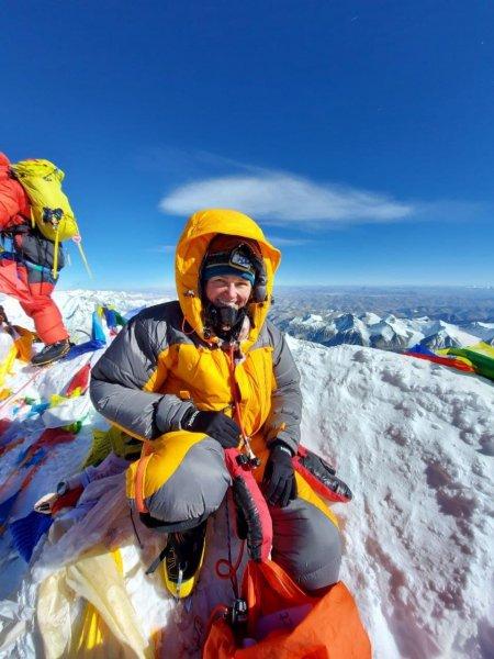 Ещё одна белорусская девушка покорила Эверест