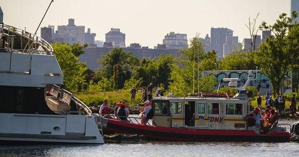 В Нью-Йорке село на мель пассажирское судно
