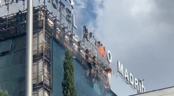 Мощный пожар вспыхнул в  крупнейшем отеле Мадрида