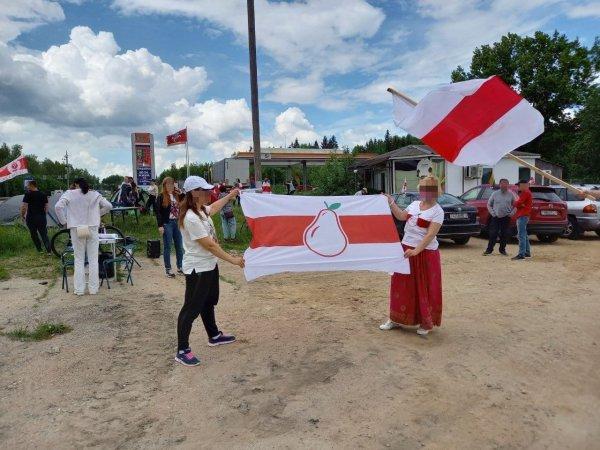 Белорусские эмигранты устанавливают палаточные лагеря на границах с Литвой и Польшей