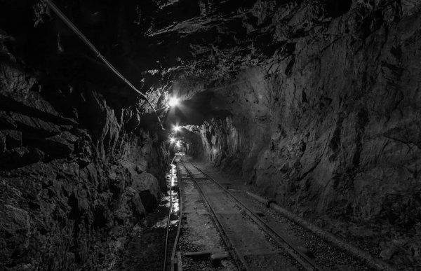 Один человек погиб и семеро пропали во время трагедии на угольной шахте в КНР