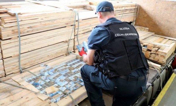На российско-эстонской границе арестована крупная партия белорусских сигарет